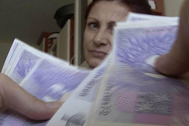 Privates Sexfoto zeigt tschechische Milf beim Sex gegen Taschengeld