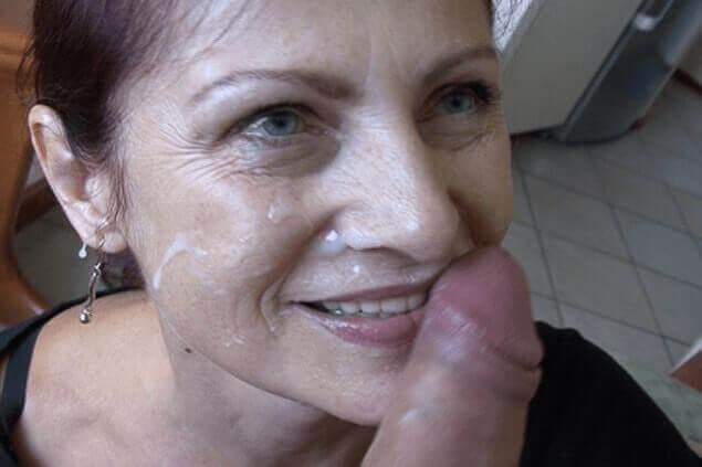 TG Milf Sex mit Gesichtsbesamung auf versautem Amateursexfoto